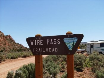 wire-pass-trailhead-hiking-tours